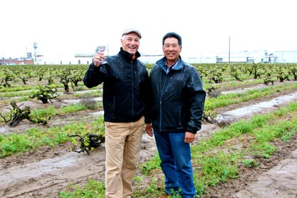 Macchia's Tim Holdener and grower Leland Noma in Lodi Native vineyard, Noma Ranch
