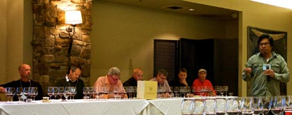Randy Caparoso introduces Lodi Native vignerons this past March 29 (photo courtesy of pullthatcork.com)