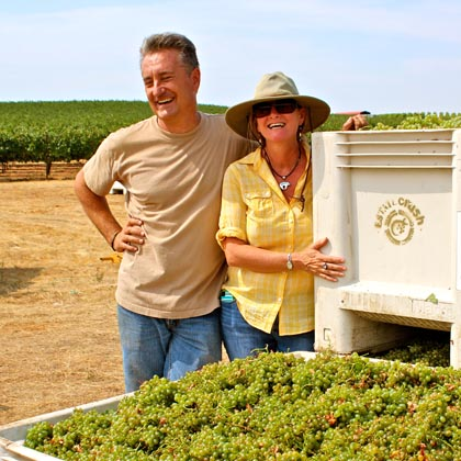 Markus & Liz Bokisch with their Vista Luna Vineyard Verdelho harvest