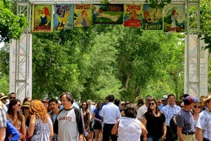 Lodi ZinFesters pouring into Lodi Lake Park