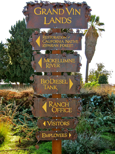 Sign in Vino Farms points to their leadership